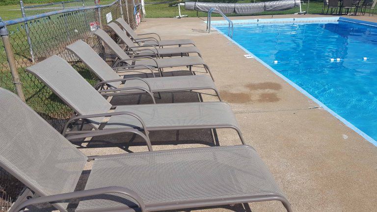 Early American Motel Pool Stay Kentucky Lake