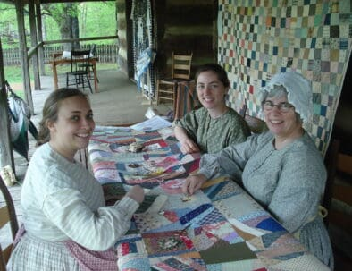 Land Between The Lakes The Homeplace 1850s Working Farm Quilting